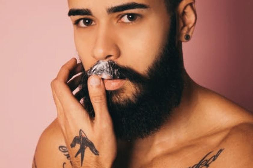 pas på skægget med en skægtrimmer